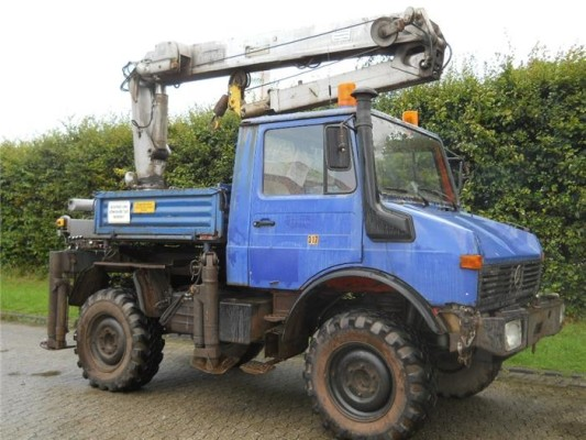 Live-Auktion Mercedes-Benz Unimog 424